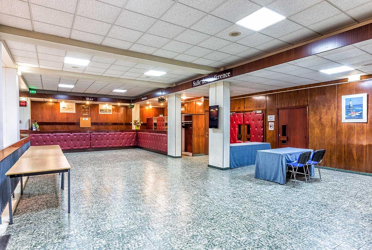 Hall amphithéâtres 200 places